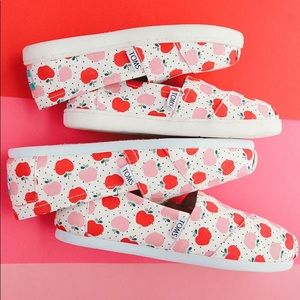 NEW Kids Toms Natural Canvas Apples